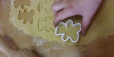 Wycinamy misiowe ciasteczka